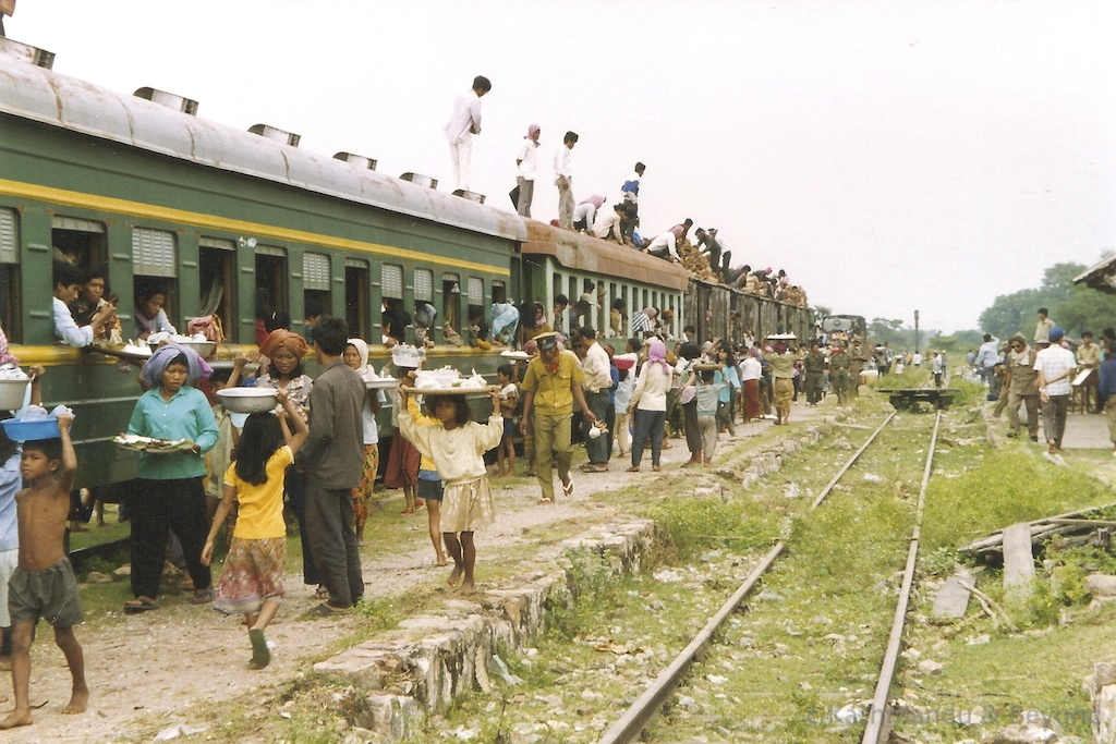 Phnom Penh to Battambang train (Oct 1992) Cambodia | backpacking in Cambodia in the early 90s
