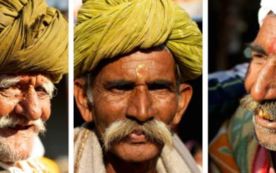 Travel Shot | Happy pilgrims in Varanasi, India