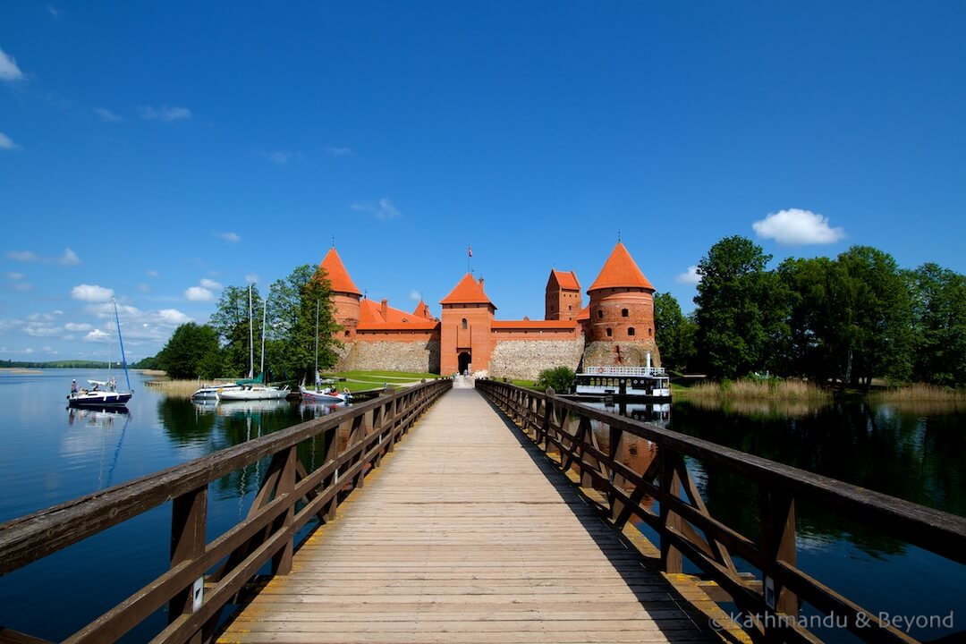 Trakai Castle and Lake Galvė Trakai Lithuania (4)