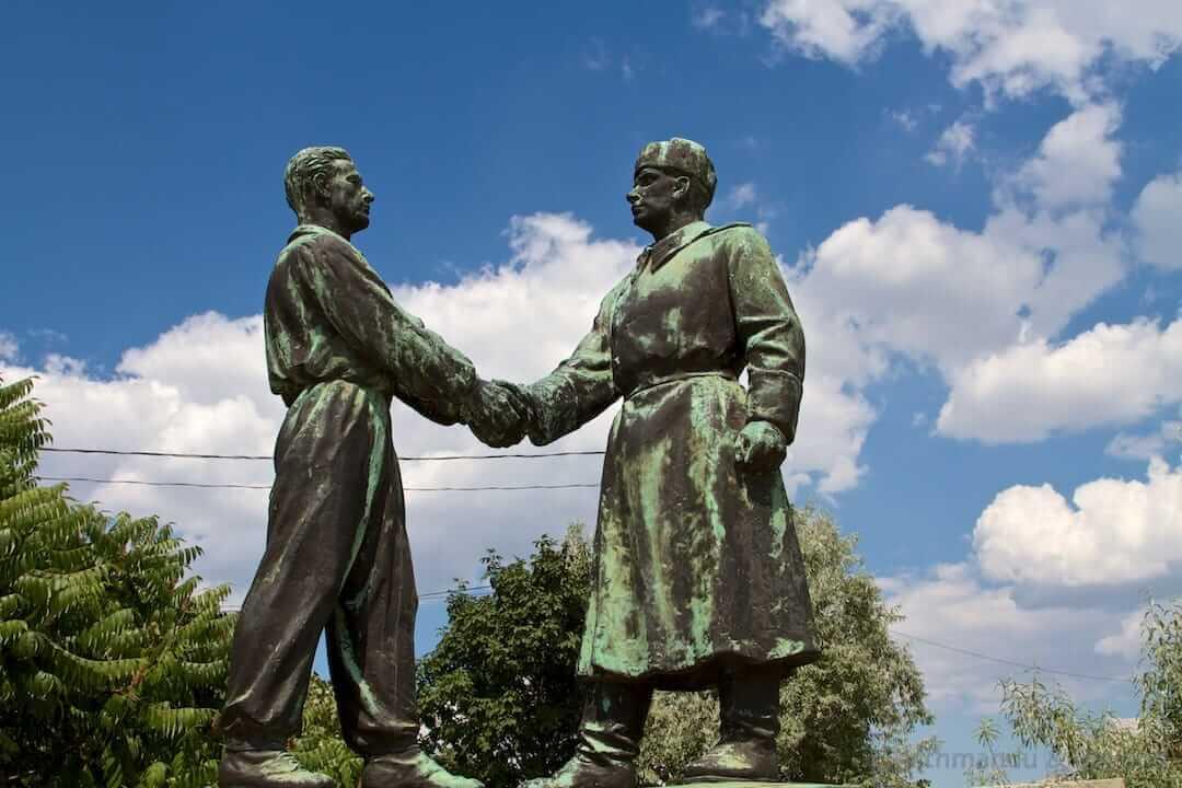 Hungarian-Soviet Friendship Memorial (Memento Park) in Budapest, Hungary | Communist monument | former Eastern Bloc