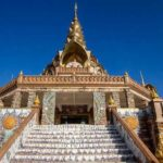 Travel Shot | Wat Phra Dhat Phasornkaew in Thailand
