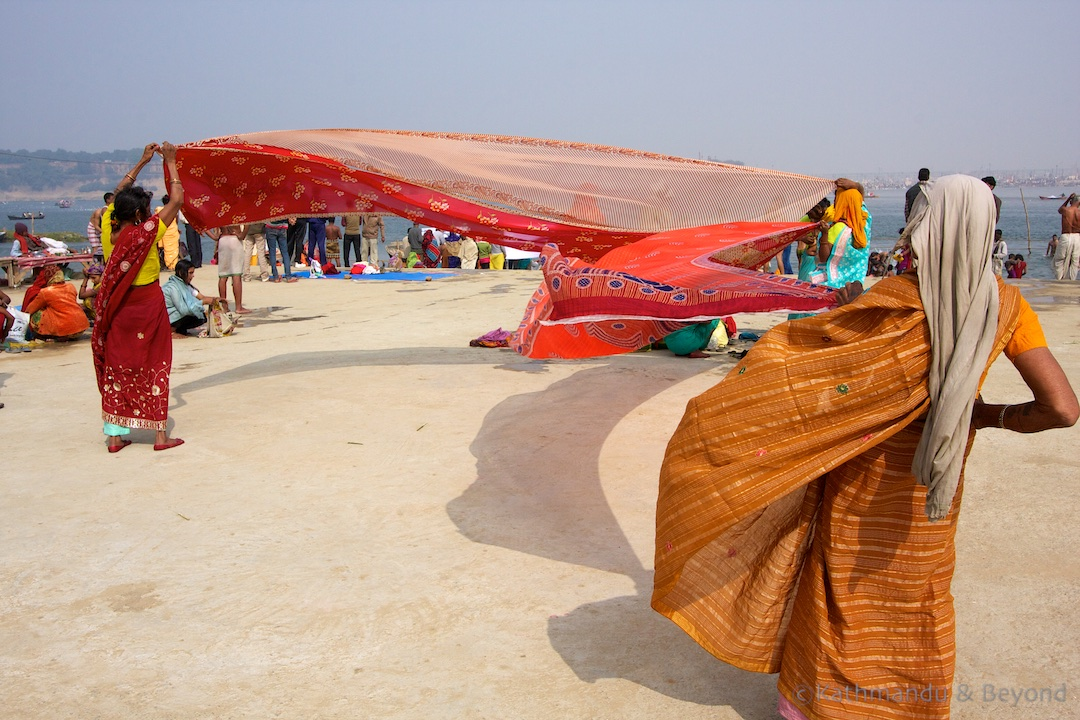 Drying sari's after a dip in the Ganga | Maha Kumbh Mela Sangam Allahabad India
