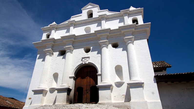 Travel Shot | Iglesia de Santo Tomas in Chichicastenango