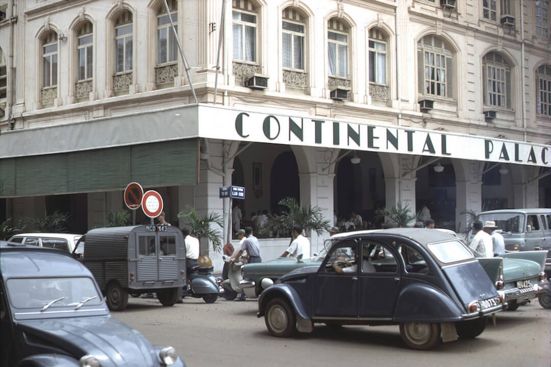 imageslike.com-large-1600-noir-sigon-1967-the-continental-hotel-one-of-saigon-s-nicest-by-ken