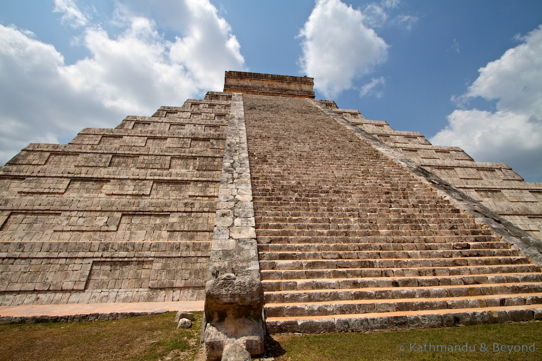 El Castillo (Pyramid of Kukulcan) Chichen Itza Mexico (6)