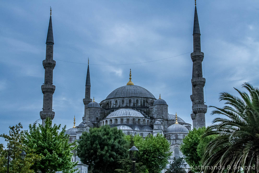 Blue Mosque (Sultan Ahmed Mosque) Istanbul Turkey (2)-Edit