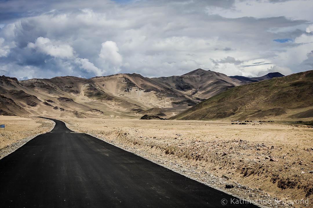 En route from Saga to Zhangmu 10 Tibet