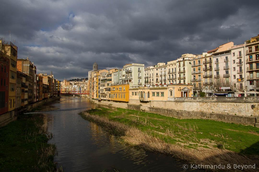 Cases de l'Onyar Barri Vell (old quarter) Girona Spain-28