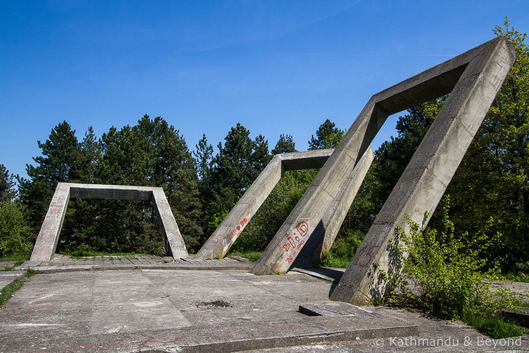 Monument to the Fallen in the Liberation War and the Victims of Fascist Terror (The Gallows) in Zaječar, Serbia | Spomenik | Socialist memorial | former Yugoslavia
