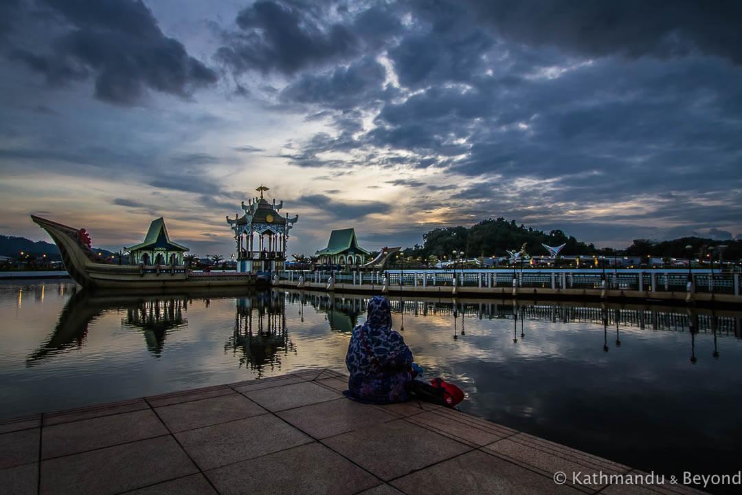 Omar Ali Saifuddien Mosque Bandar Seri Begawan Brunei-10