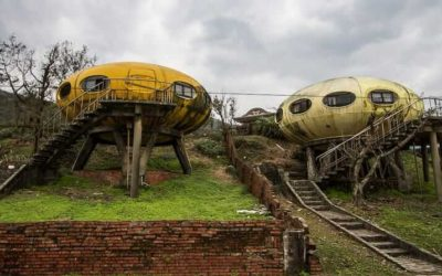 Abandoned Taiwan: The Futuro Village at Wanli