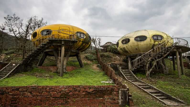 Abandoned Taiwan - The Futuro Village at Wanli