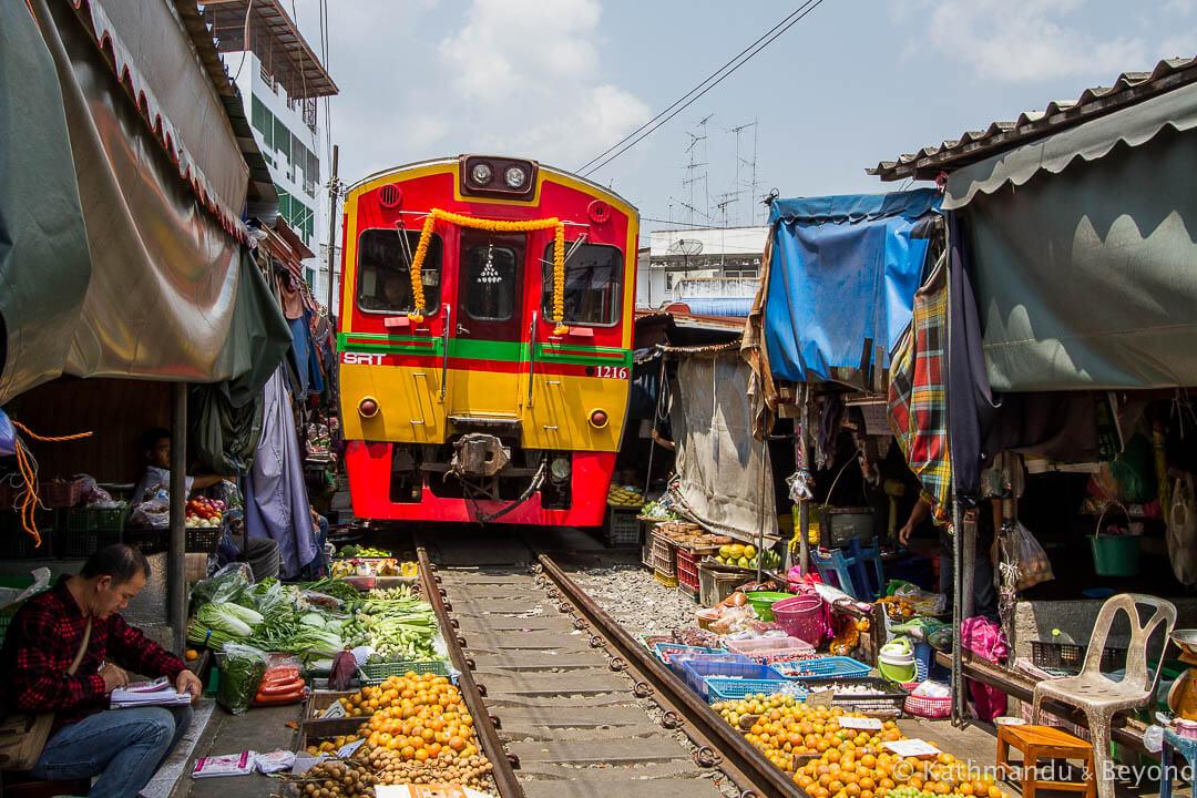 Railway Market Maeklong Thailand-8