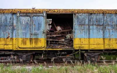 Abandoned Thailand: Railway Carriages in Chumphon