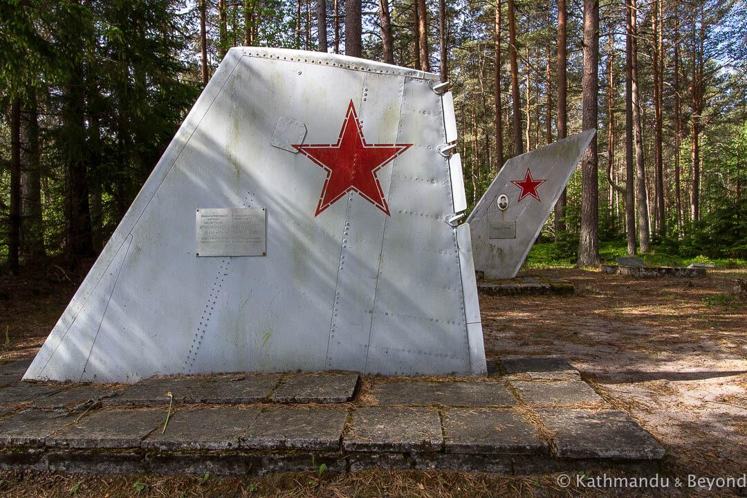 Amari Pilots Cemetery Amari Estonia-4