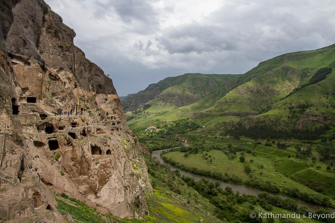 Where to break the journey between Gyumri in Armenia and Borjomi in Georgia