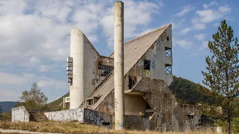 Abandoned Bosnia & Herzegovina: Motel Emos in Miljevina