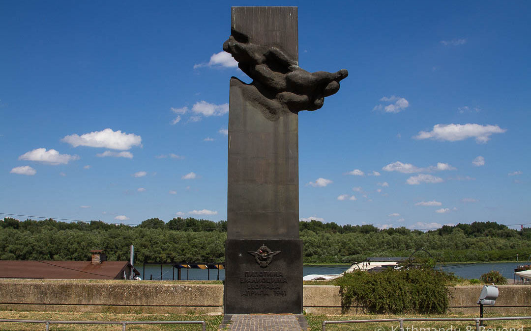 Monument to Pilots of the Belgrade Defenders