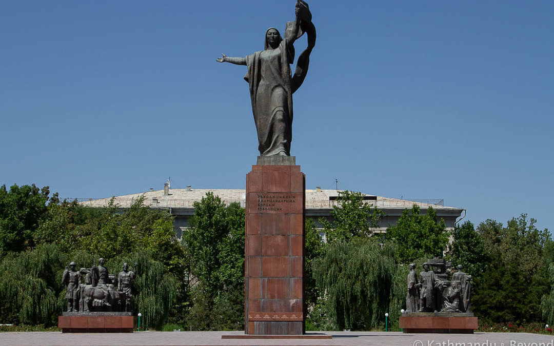 Statue to Martyrs of the Revolution