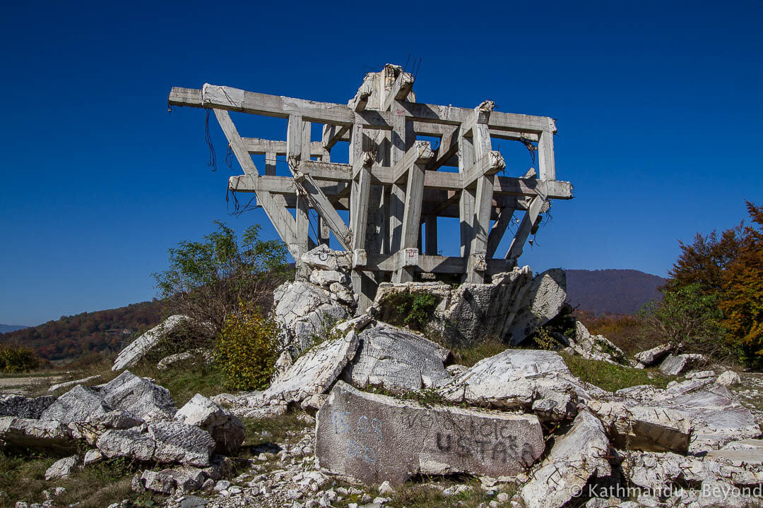 Monument to the Battle of the Wounded (The Fist/The Poet)  in Makljen, Bosnia & Herzegovina | Spomenik | Communist monument | former Yugoslavia