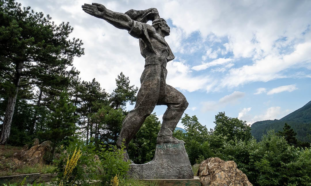 Monument to the September 1923 Uprising in Maglizh, Bulgaria | Socialist monument | former Eastern Bloc