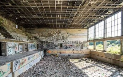 Abandoned Bulgaria: Former swimming pool in Lovech