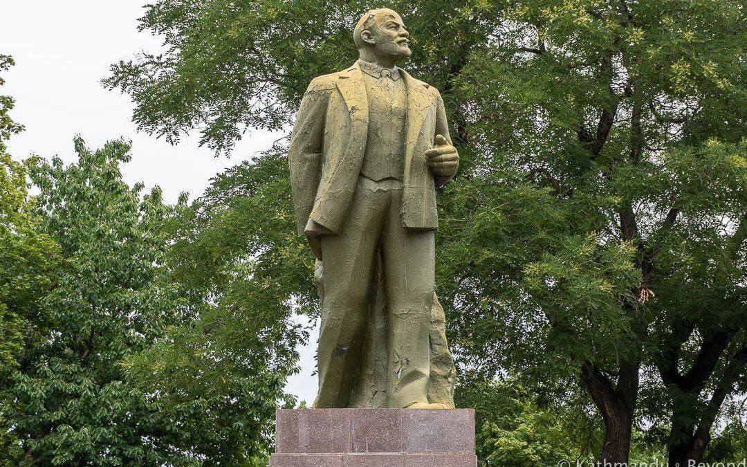 Monument to Vladimir Lenin