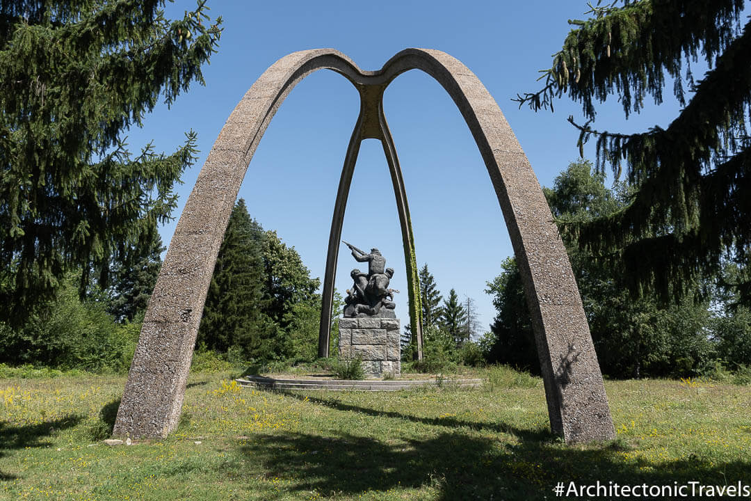 Monument to the Partisans in Balvan, Bulgaria | War memorial | Socialist monument | former Eastern Bloc