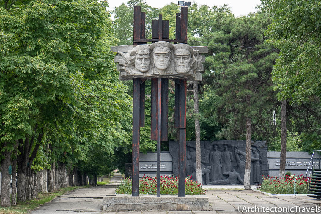 Monument to the Railway Workers (Memorial of Revolutionary, Battle and Labour Glory of Railway Workers) in Bendery (Bender), Transnistria | Soviet monument | former USSR