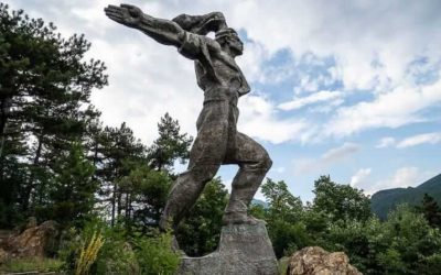 Communist monuments in Bulgaria – Striking communist-era monuments and memorials